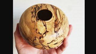 Making A Woodturning Log To Vase 木工旋盤を使って丸太から壺を製作
