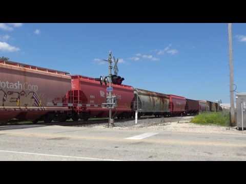 Railfanning Northeast Wisconsin FT. KCSM, IC, EJ&E, and GTW leaders 7-4-17