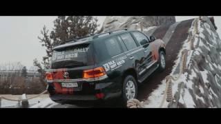 Ползем на Toyota Land Cruiser 200 в гору: как работает Crawl Control