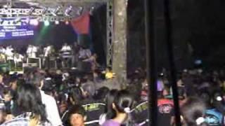 Video family's lumong nita mansyur - terluka. dangdut.DAT download MP3, 3GP, MP4, WEBM, AVI, FLV Desember 2017