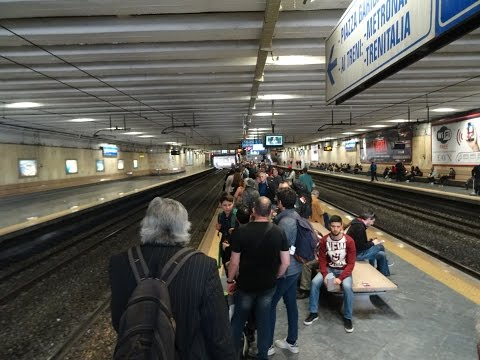 Italy, Naples: How to Travel from Naples to Pompeii by Train POV