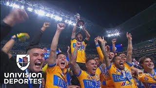 ¡Tigres levanta el trofeo de campeón del Apertura 2017 de la Liga MX!