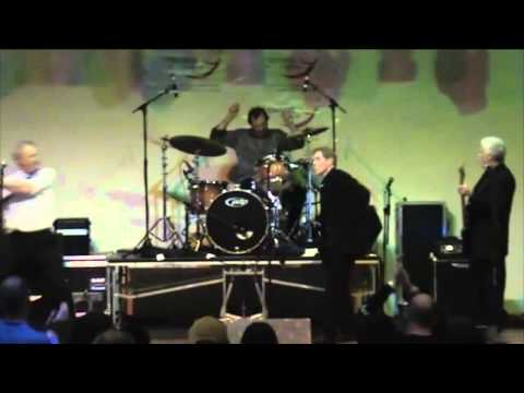 Dr. Feelgood - Milk and Alcohol / Who Do You Love - Live 2011