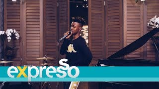 """Mlindo The Vocalist performs """"Ama Blesser"""""""