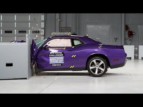 2016 Dodge Challenger small overlap IIHS crash test