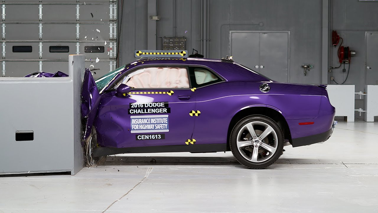 Dodge Charger Demon >> 2016 Dodge Challenger driver-side small overlap IIHS crash test - YouTube