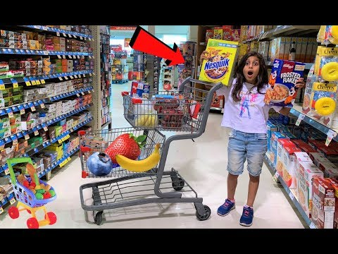 Deema Play Cereal and Healthy food Shopping at Supermarket