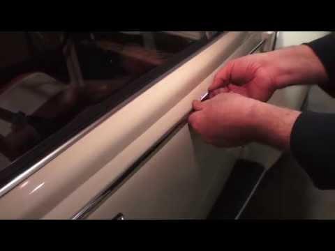 VW Beetle narrow trim moulding clips