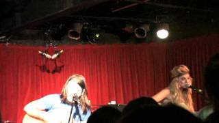 Download Juliet Simms, Tommy Simms playing To die for at the Grog Shop Sept 09 MP3 song and Music Video