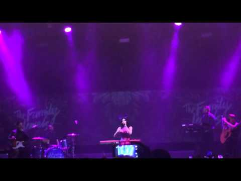 Obsessions - Marina and The Diamonds (Neon Nature Tour//Athens, Greece//05~03~2016)