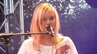 Fredrika Stahl - A Drop in a Sea (02) - live@La Plage Glazart (Paris),  03 Septembre 2010