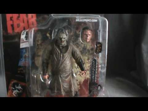 Toy Spot - Mezco Cinema of Fear Texas Chainsaw Massacre Remake Leatherface