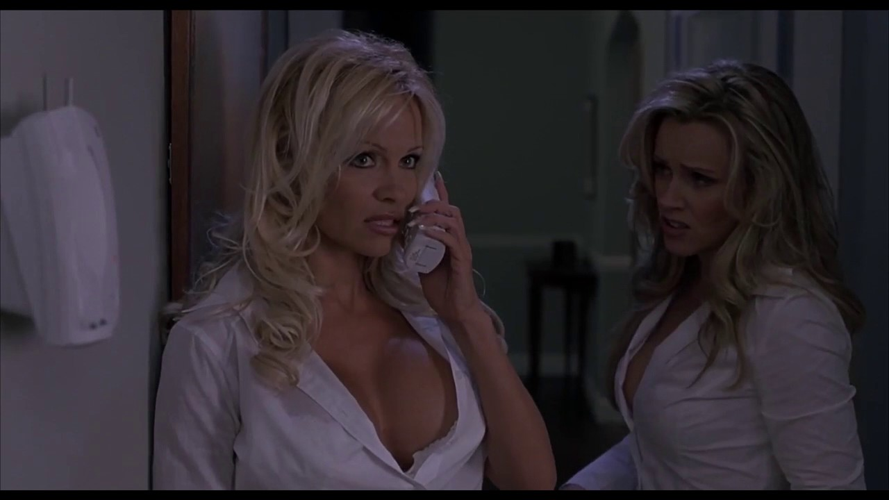 scary movie 3 sexy scenes