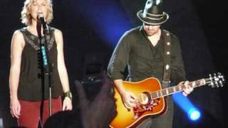 Sugarland ft. Little Big Town & Jake Owen - Life in a Northern Town
