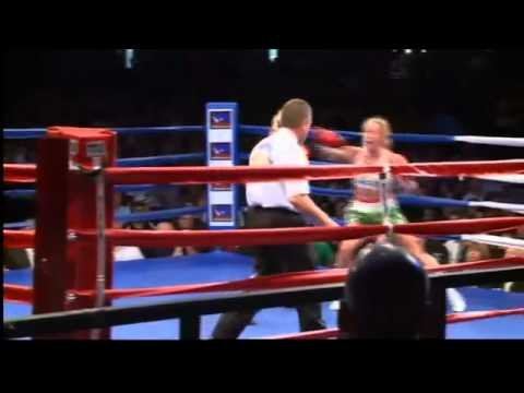 Holly Holm defeats Anne Sophie Mathis