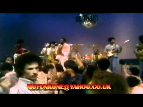 MARVIN GAYE - GOT TO GIVE IT UP Pts 1&2. TV PERFORMANCE 1977