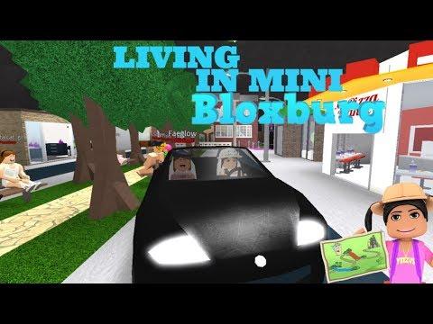 LIVING IN MINI BLOXBURG IN BLOXBURG