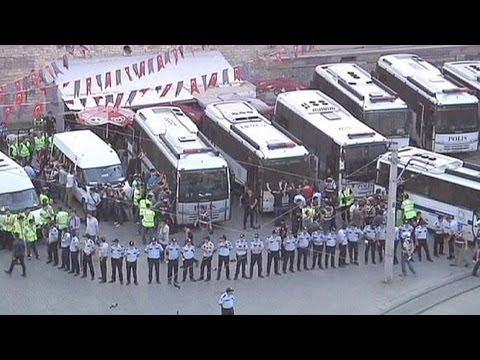 Turkey minister declares strike 'illegal'