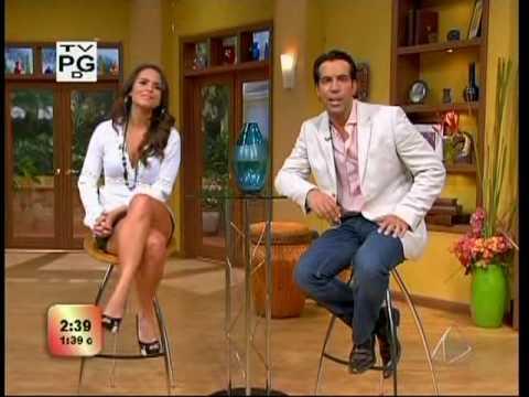 lilia luciano leg crossing sexy latina legs best legs piernotas ricas