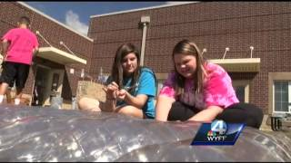Glenview Middle School Builds New Greenhouse