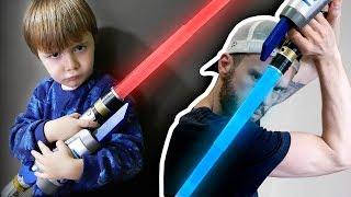 STAR WARS EM CASA!! Maikito Vs Brancoala com Sabres de Luz de Brinquedo - Star Wars Toys for Kids