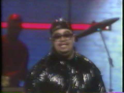 Heavy D & The Boyz Now That We Found Love Live