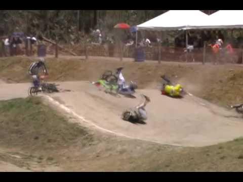 Accidente Nacional Ecuador Elite BMX Santiago Endara