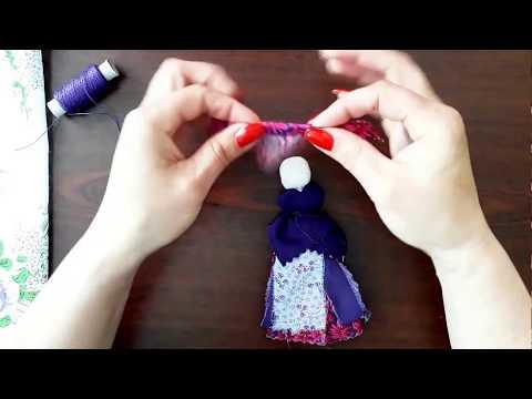 хустинка на ляльці