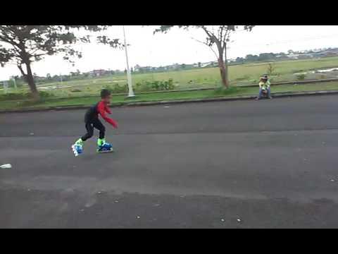Kei Beli Sepatu Roda Baru Di Decathlon, Langsung Main! | My New Inline Skates.