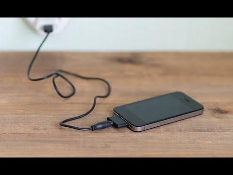 Как зарядить телефон ,если нет электрической розетки.