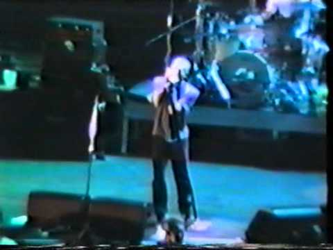 R.E.M. - Try Not To Breathe (live Milan 1995)