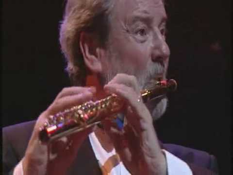 The Flight of the Bumble Bee  Flute, James Galway