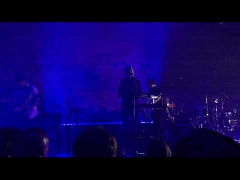 London Grammar - Nightcall (Live at Garage Museum of Contemporary Art)