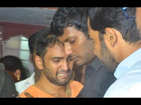Vishal, Karthi pays his last respect to Santhanam's Father | Death Video