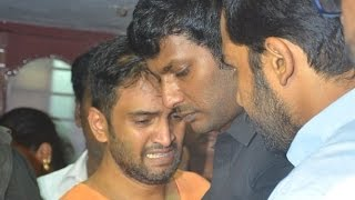 Vishal, Karthi pays his last respect to Santhanam