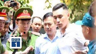 Nguyễn Hữu Linh thừa nhận 3 lần ôm hôn bé gái