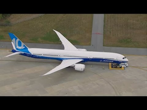 Boeing 787-10 INAUGURAL TAKEOFF