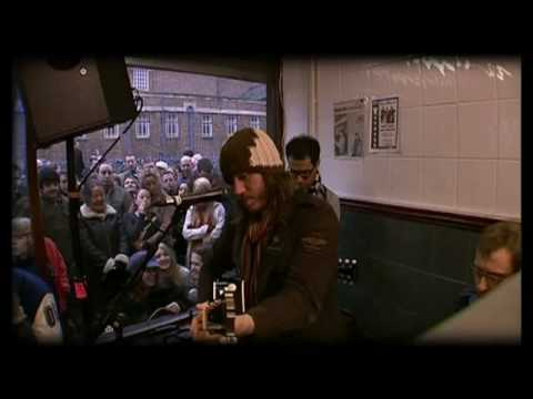Badly Drawn Boy Once around the block live