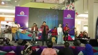 Cinta Luar Biasa cover by One Avenue Band