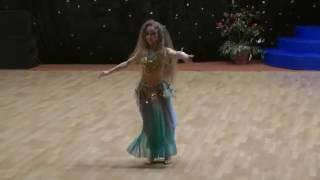 Девочка потрясающе танцует ВОСТОЧНЫЙ ТАНЕЦ  загляденье! BELLY DANCE