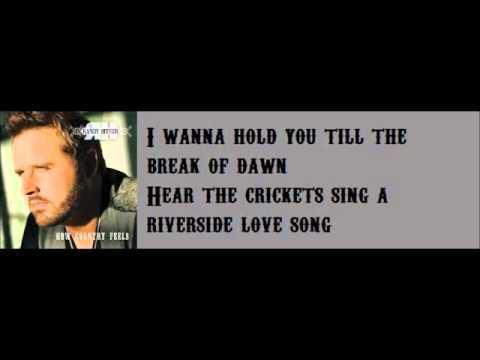 Randy Houser - Runnin' Outta Moonlight Lyric Video)