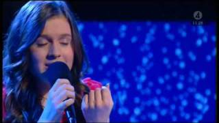 Amy Diamond - Jul Jul Strålande Jul (2008 Nyhetsmorgon, piano, lyrics_SE @ Live)