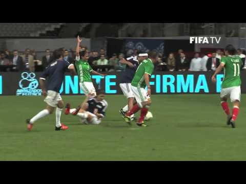 fb4c4811584 FIFA Football Legends celebrate history at the Azteca - YouTube