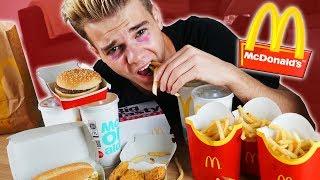 Eine Woche nur McDonalds ESSEN! 😱 - Selbstexperiment (Grenze)