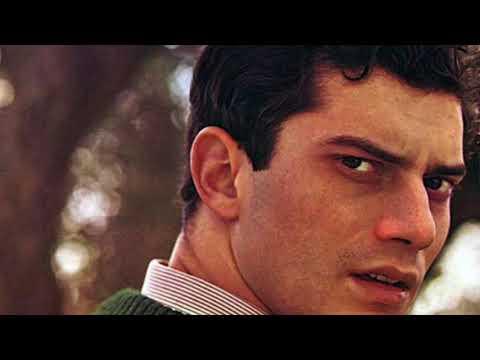 LUIGI TENCO - ( Inedita intervista sanremo 1967 parlando di Ciao, Amore Ciao )