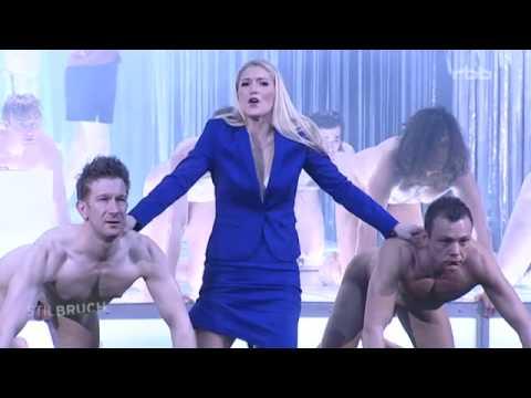Video oper nackt Nude art,