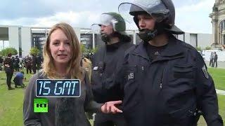 Полиция Германии помешала журналистке RT освещать протесты в Берлине