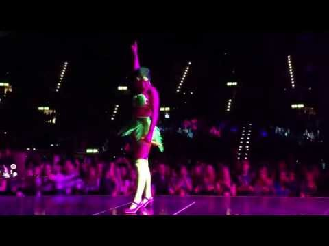 Katy Perry Live in Zurich - Teenage Dream / California Gurls