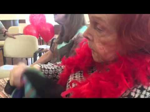 Legendary Minsky burlesque star turns 100