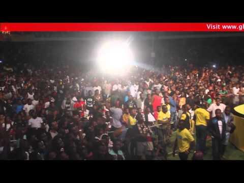 Download Samini performs Shatta Wale 'Kakai' @ MTN Pulse concert '16   GhanaMusic.com Video